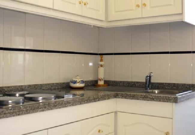 alquiler-piso-en-denia-cocina2-alquileres-denia