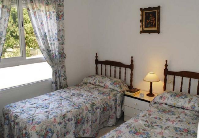 alquiler-piso-en-denia-dormitorio-2-camas-alquileres-denia
