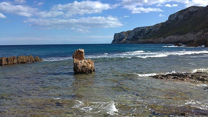 playa-de-piedra-denia-las-rotas