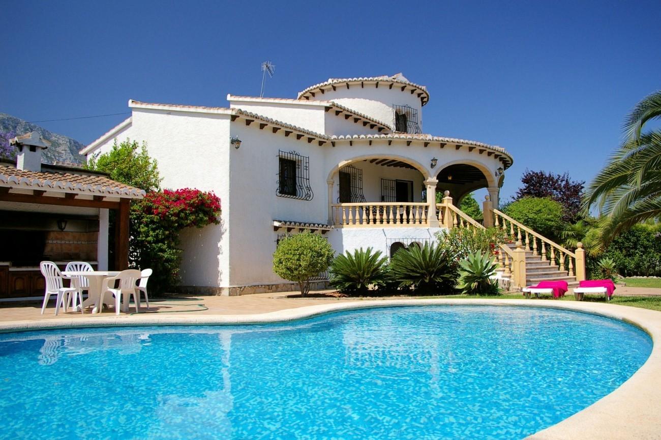 32f8666515c74 alquiler villa denia Somni capacidad 6 personas €100 al día con piscina