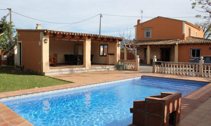 Alquiler villa denia – Almendro