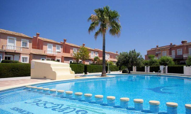Alquiler bungalow denia – Campo Olivar